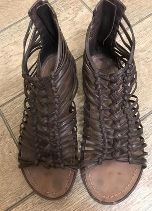 Босоножки сандали кожаные