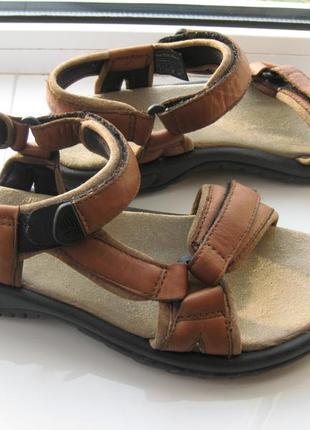 Босоножки,сандалии teva,р.38 стелька 25,5см кожа