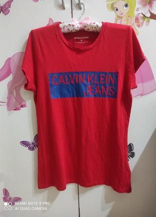 Универсальная базовая брендовая футболка calvin klein м-л (можно меньше)
