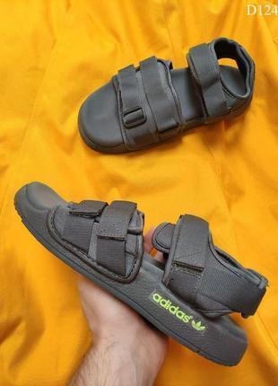 Легкие сандали adidas