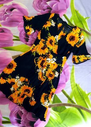 Фирменное платье цветочный принт