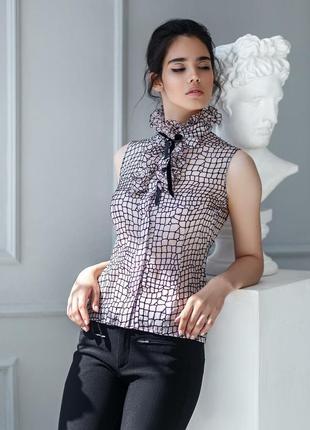 Блуза с жабо без рукавов от украинского бренда monrova design, размер s