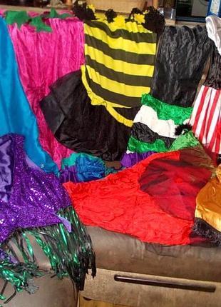 Пакет женских карнавальных костюмов к реставрации