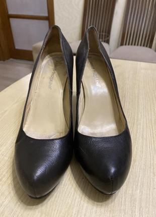 Туфли, б/у, каблук 9,5 см, стоит профілактика