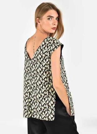 Принтованная блуза zara размер м/l абстрактный принт v вырез