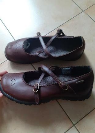 Спортивные туфли,туфли кожаные,туфли фирменные