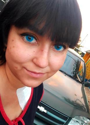 Голубые контактные линзы