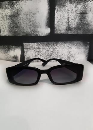 Стильные солнцезащитные очки в рэтро стиле ,винтажные черного цвета.