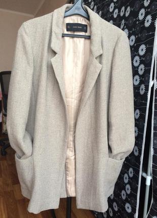 Модное жакет-пальто фирмы zara s 26  в идеальном состоянии