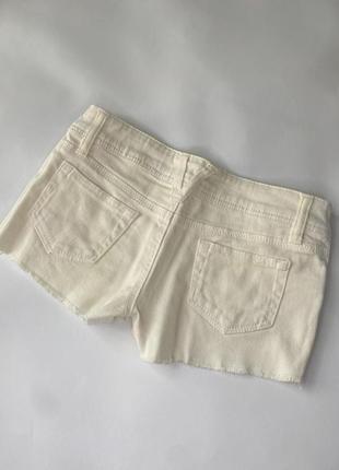 Шорты белые джинсовые