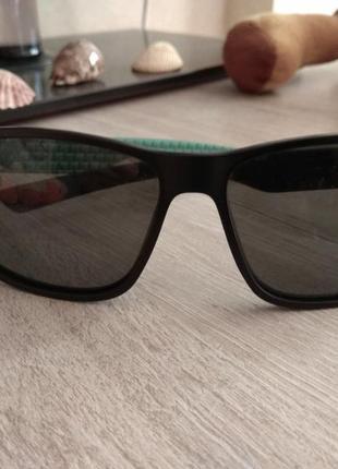 Очки от солнца casta