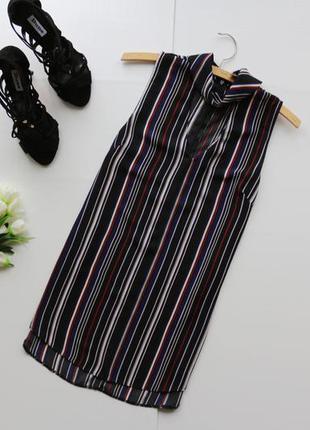 Стильная шифоновая блузка в полоску с чокером