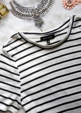Белый кроп топ в черную полоску короткая футболка