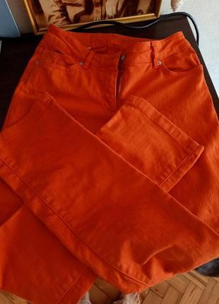 Трендовые джинсы терракотово-оранжевые
