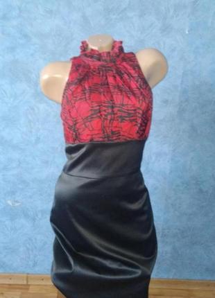 Шикарное комбинированное платье миди по фигуре с чокером