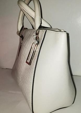 Белая сумка сумочка клатч с короткими ручками