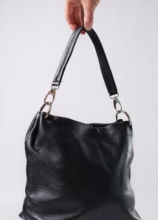 Вместительная сумка с двумя отделами и кармашками с ремешком из кожи1 фото