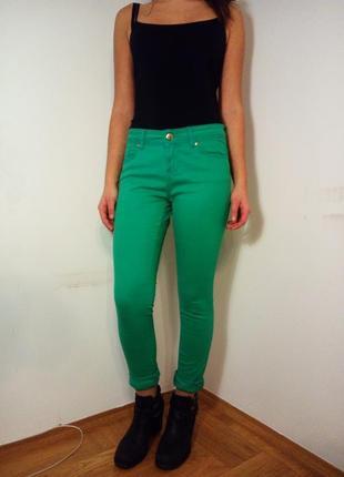 Яркие джинсы р.42-44