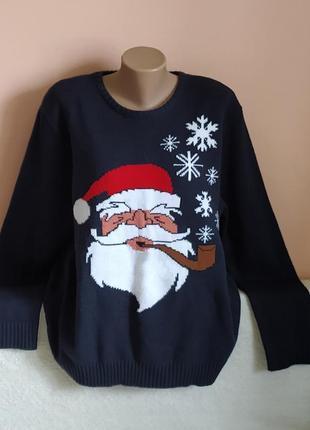 В ідеалі!святковий гарний светр, вказано р. 2xl