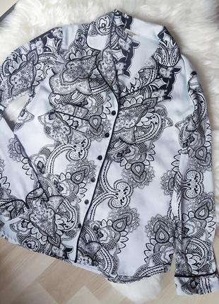 Лёгкая рубашка блуза в бельевом стиле