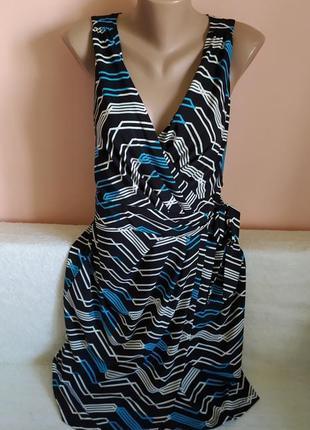 Як нове,в ідеалі!класне модне платтячко на запах р.12
