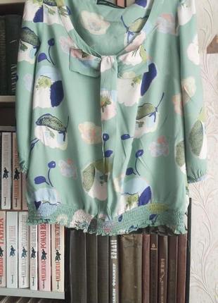 Блуза из вискозы в цветочный принт