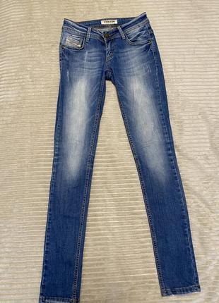 Классные джинсы по фигуре liuzin