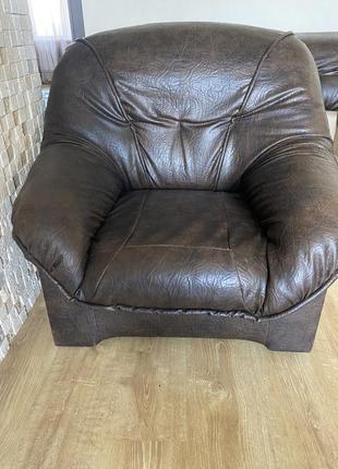 Кресло кожаное срочно!!!