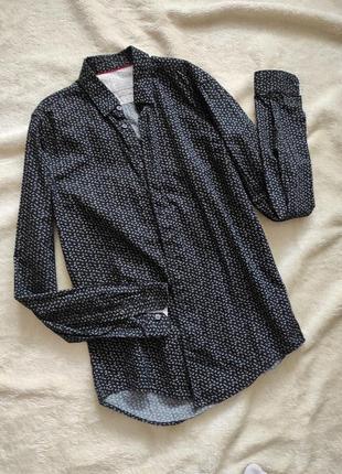 Крутая мужская приталенная фирменная рубашка с принтом бренд zara