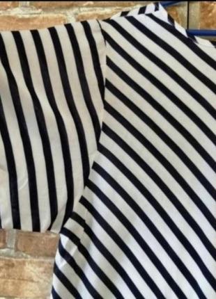 Длинное платье в горошек и полоску7 фото