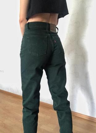 Винтажные джинсы-мом зеленого цвета levis 550™