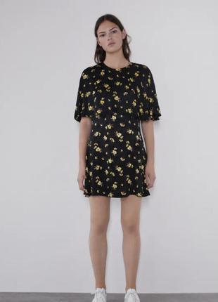 Милое платье в цветы zara новые коллекции