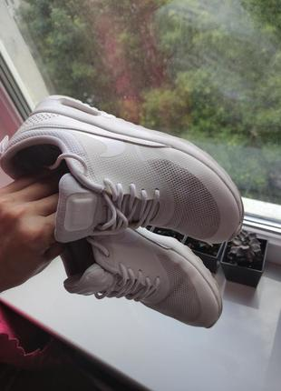 Nike оригинал белые летние кроссовки сетка5 фото