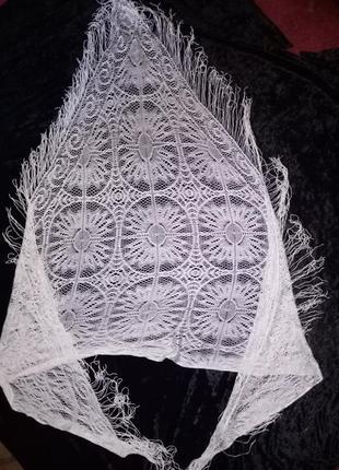 Легкий, огромный, ажурный платок с бахромой