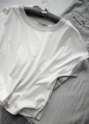 Трикотажный свитерок. хлопок оверсайз цвет яичной скорлупы отделка серый/серебро