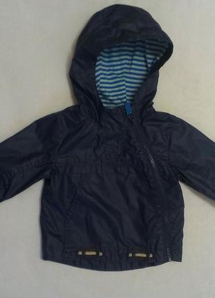 Модная фирменнная курточка на мальчика в состоянии новой!