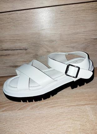 Накрест босоножки 🌿 на платформе сандалии классика лето