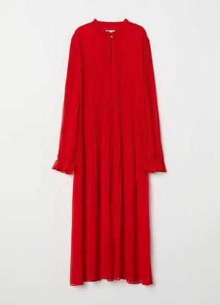Шифоновое платье плиссе - красный насыщеный цвет  h&m