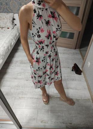 Новое красивое лёгкое платье миди