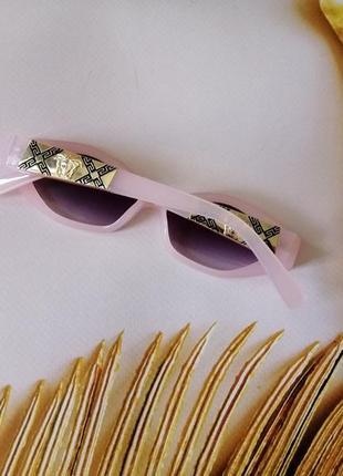 Эксклюзивные розовые брендовые солнцезащитные женские очки ромбы очень красивая модель!4 фото