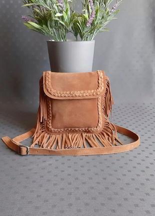 Замшевая сумка с бахромой фирмы zara в новом состоянии