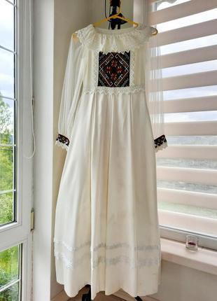 Плаття на причастя з вишивкою