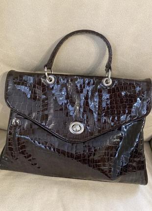 Италия шикарная сумка лаковая кожа   оригинал