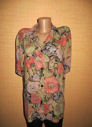Очень красивая легкая блуза  принт цветы маки.