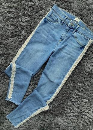 Очень стильные джинсы по фигуре