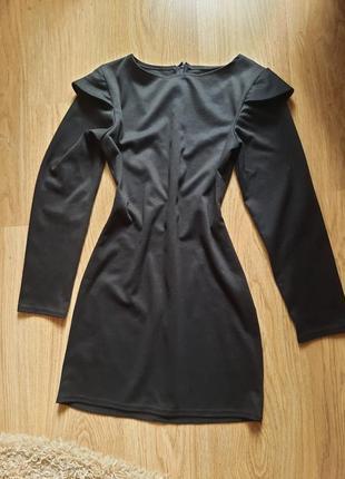 Платье черное короткое длинный рукав