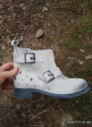 Ботинки 37 розмір бренд kookai