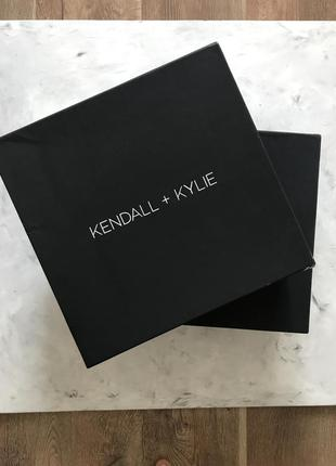 Ботинки кожа kendall+ kylie демисезон