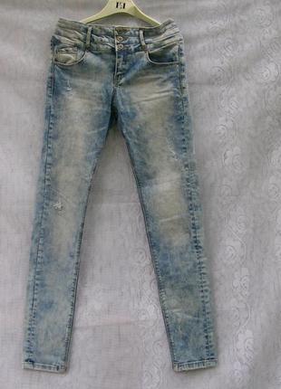 Стильные модные джинсы стрейч от denima bershka