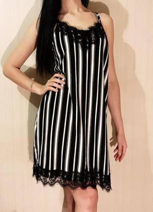 Очень красивое платье с кружевом с бельевом стиле
